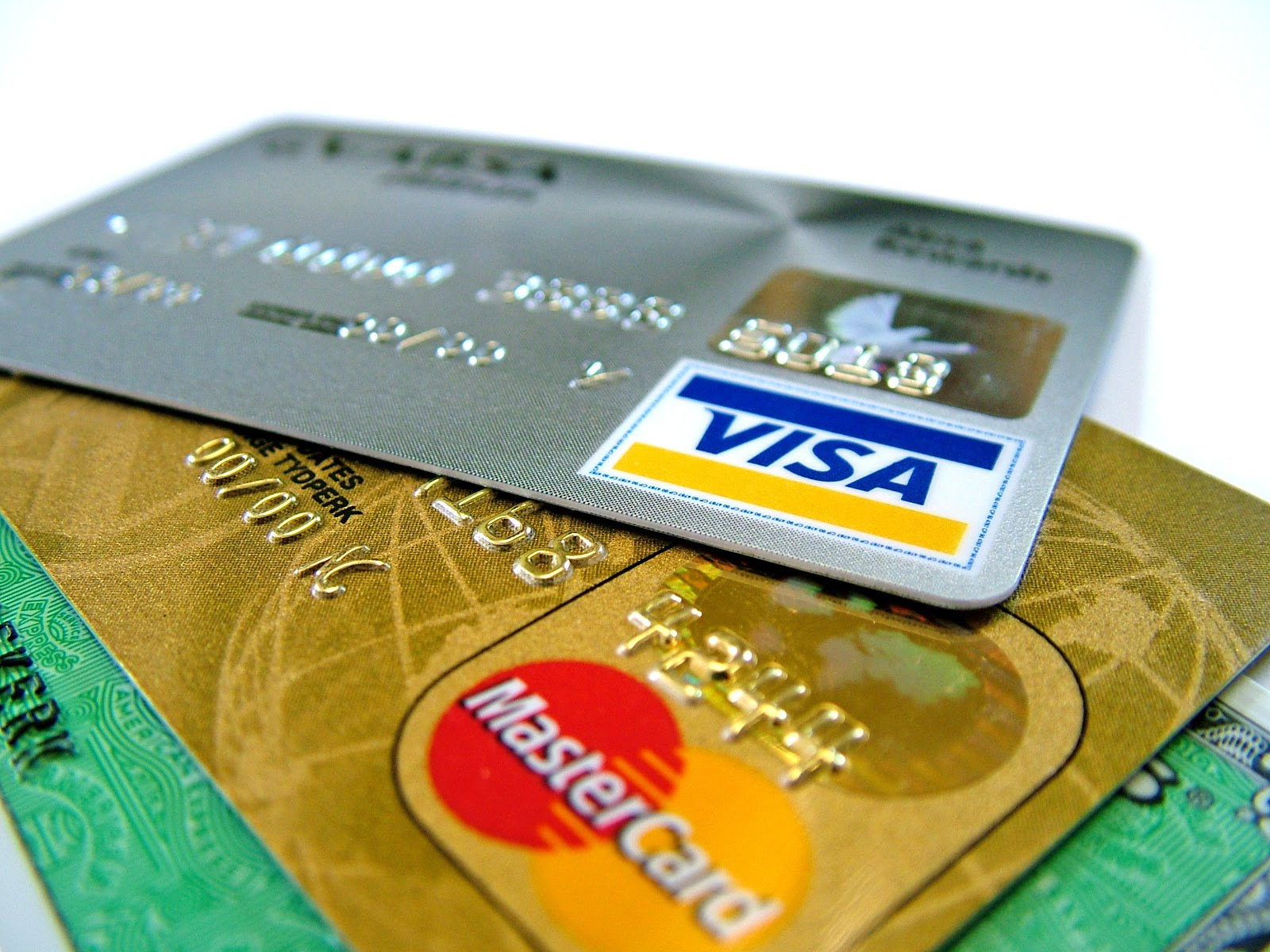 Autorizado desconto na folha de pagamento de despesas com cartão de crédito