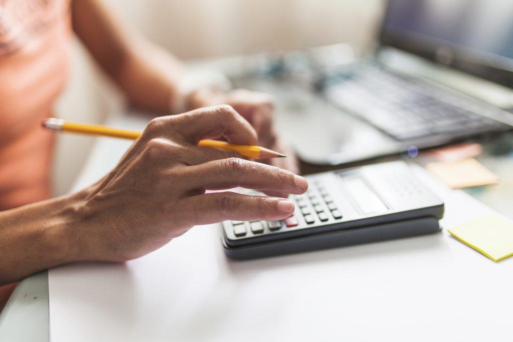 Imposto de Renda Retido na Fonte (IRRF) do funcionário: como calcular?
